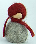 Schwedischer Filzwichtel h.grau/rot, Schal rot, H 5 cm