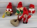Santa Junge Handwerker/Zimmermann mit Holz und Hammer