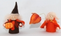 Herbstwichtel mit Kürbis, braun/orange, H 9 cm