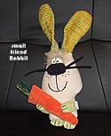 Stofftier kleiner Hase mit Karotte, H ca. 32 cm