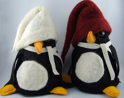 Swedish felt penguin black/red , 20 cm