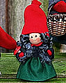 Wald Tomte Frau mit Pilz, 10 cm, ohne Holzdübel, EINZELSTÜCK