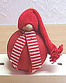 1 kleiner Tümmler Wichtel rot mit Streifenschal