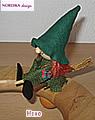 Stecker Hexe auf Besen mit 5 und 4 mm Holzdübel