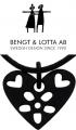 Bengt & Lotta Halskette FLOWER HEART, schwarz mit Lederband