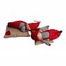 Det Gamle Apotek 2 Santa Kinder auf einem Jutekissen, H 8 W 19 D 13 cm, rot