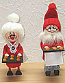 Mrs Santa with baking plate, 16 cm
