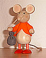 Nordika mouse standing with sac